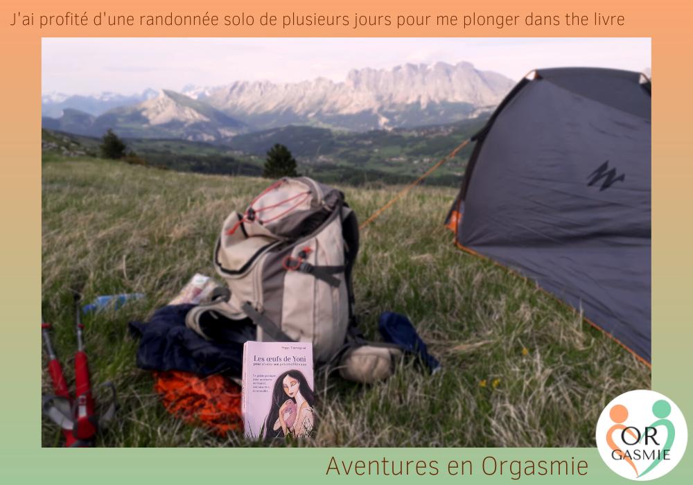 J'ai profité d'une randonnée solo de plusieurs jours pour me plonger dans the livre, montagne, sac de rando, Les oeufs de yoni, peggy tournigand